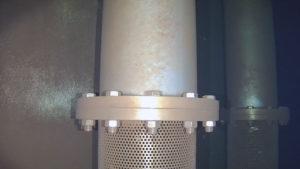 Inspection des crépines d'une cuve de stockage d'eau